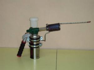Дым-пушка - незаменимое приспособление при обработке больших хозяйств
